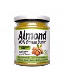 render_almond_butter_sfondo_bianco